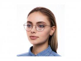 Vogue 4025 5021 на женском лице
