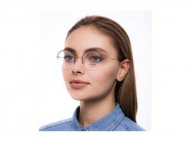 Vogue 4162 280 на женском лице