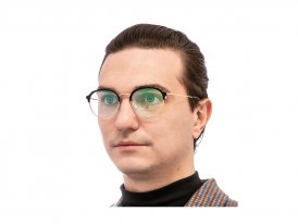 Valentin Yudashkin 9023 1 Titanium на мужском лице